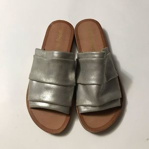 Dirty Laundry Sliver Buds Sandals 6.5